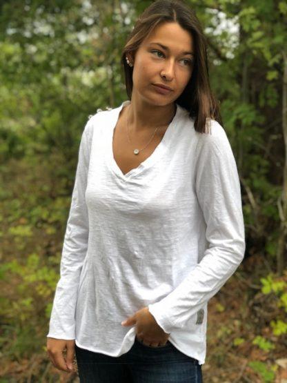 vit långärmad t-shirt