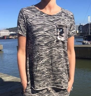 melina zebra t-shirt