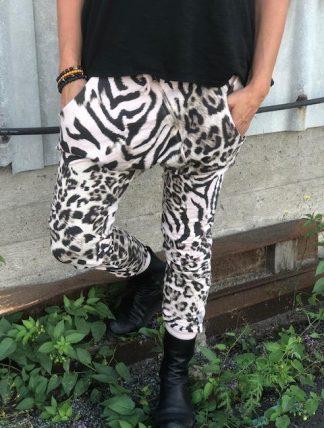 ljusrosa leo och zebra byxor