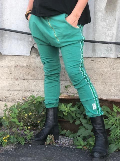 guccigröna byxor