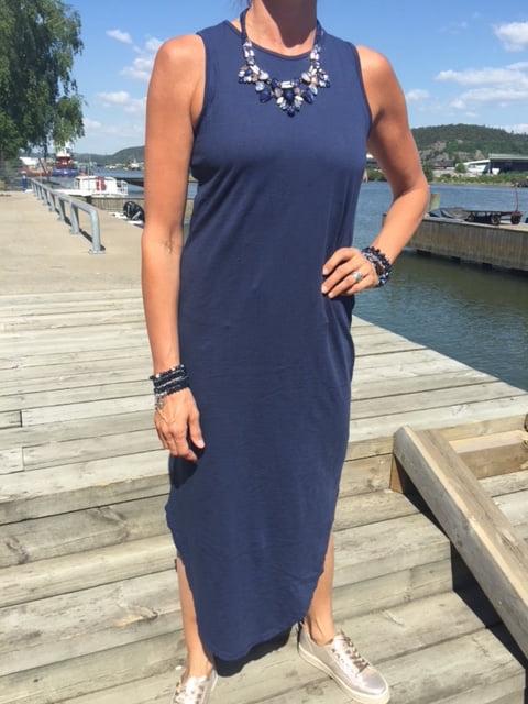 marin klänning