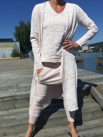 ljusrosa zebra kläder