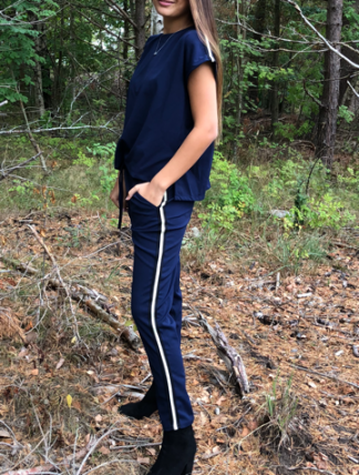 marinblå jumpsuit