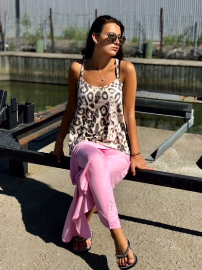 rosa leo kläder