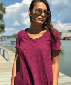 vinröd t-shirt
