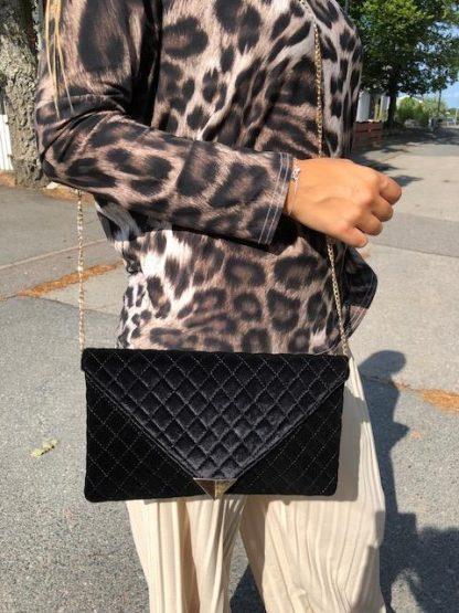 väska kuvert svart