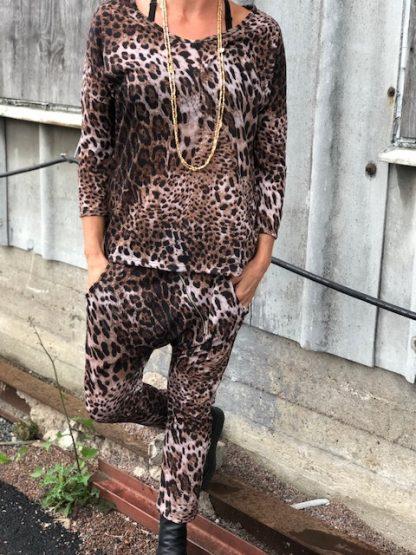 leo dress
