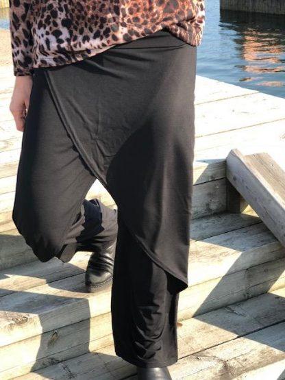 höstbyxa svart