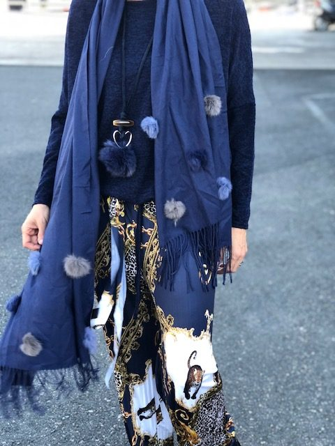 marinblå sjal