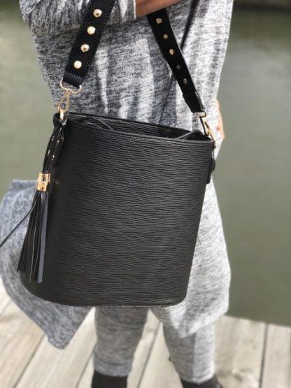 svart snygg väska