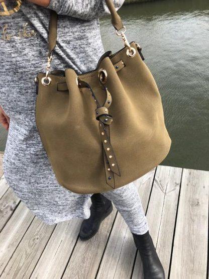 grön snygg väska