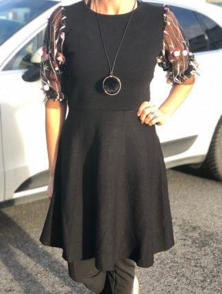 spetsklänning