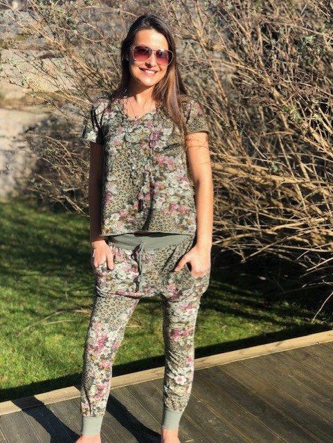 kläder med leo och blommor