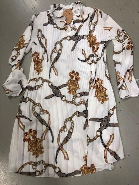 vit klänning med tigrar