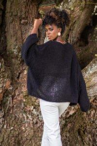 Oversize tröja med mjukt och fluffigt garn